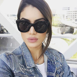 WIDE FRAME CAT EYE SUNGLASSES