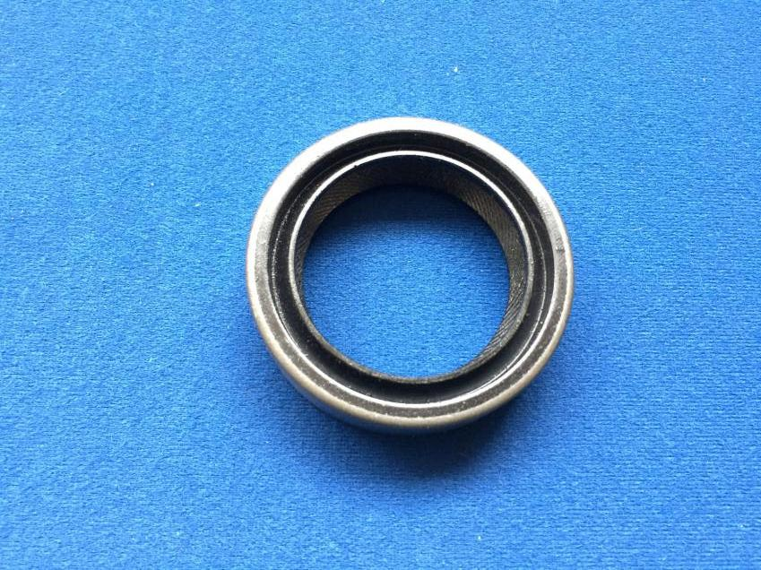 FRONT CRANKSHAFT OIL SEAL TR2-4A