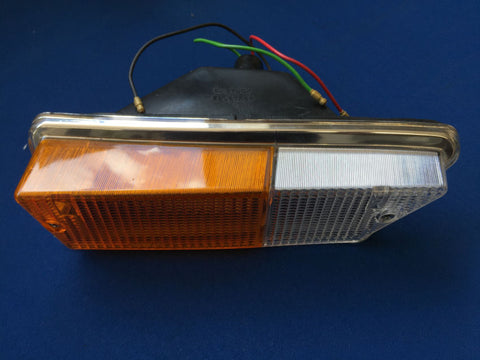 TR6 UK SPEC SIDE/INDICATOR LAMP ASSEMBLY R/H SIDE
