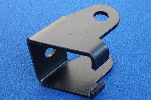 ANTI ROLL BAR BRACKET TR6