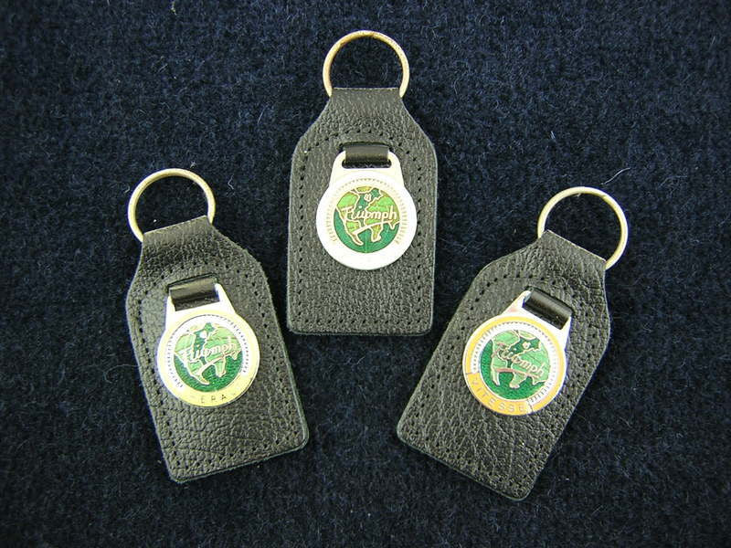 ASSORTED KEY RINGS LEATHER WITH MODEL LOGO