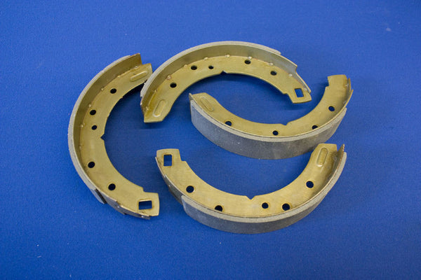 BRAKE SHOES TR4/4A/5/6