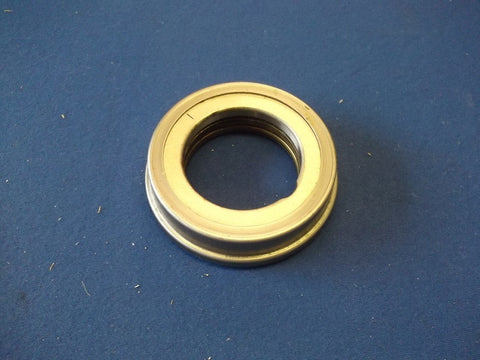 TR2-4 CLUTCH RELEASE BEARING