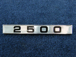 TR5 REAR WING BADGE 2500