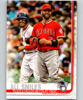 2019 Topps #295 All Smiles Mint American League