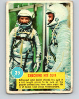1963 Topps Astronauts #39 Checking His Suit V10146