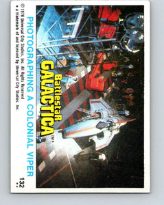 1978 Topps Battlestar Galactica #132 Photographing a Colonial Viper   V35456