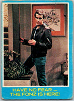 1976 Topps Happy Days #24 Have No Fear The Fonz Is Here   V35875