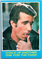 1976 Topps Happy Days #31 Chalk Up Another One for the Fonz   V35906