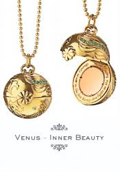 Inner beauty venus necklace