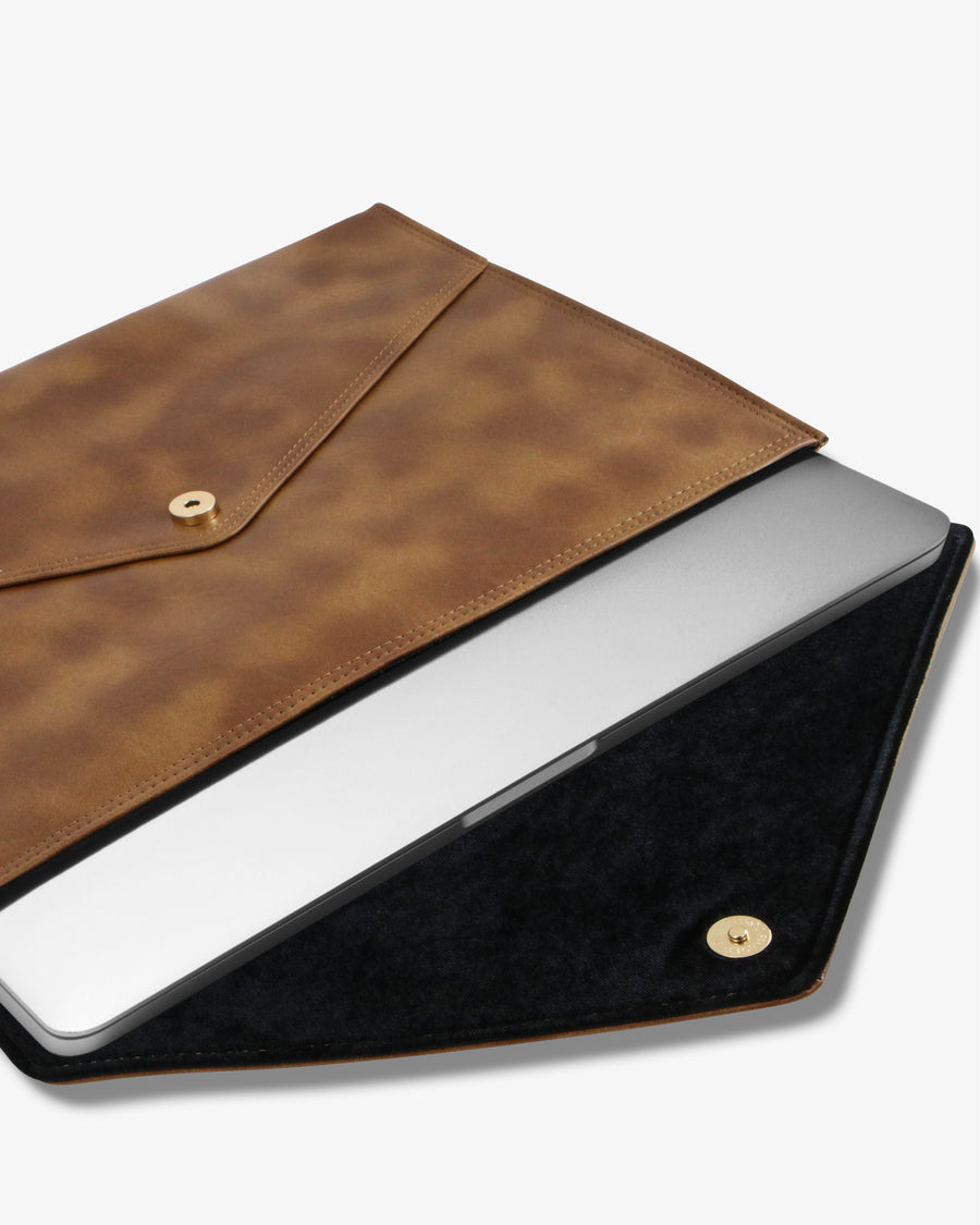 "15"" Laptop Clutch- Brandy"