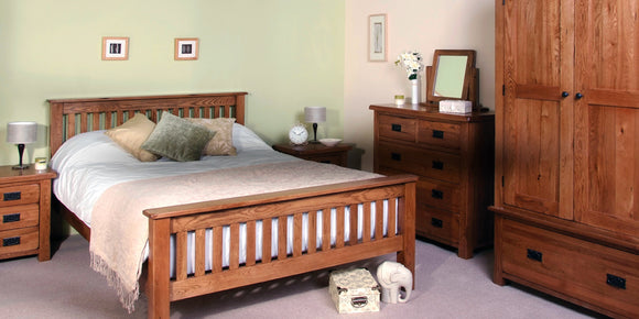 Petersfield Oak Bedroom