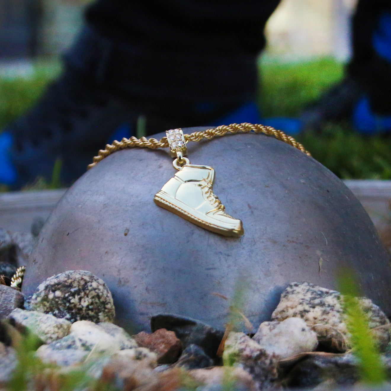 14K GOLD PLATED RETRO 1 PENDANT WITH GOLD ROPE CHAIN