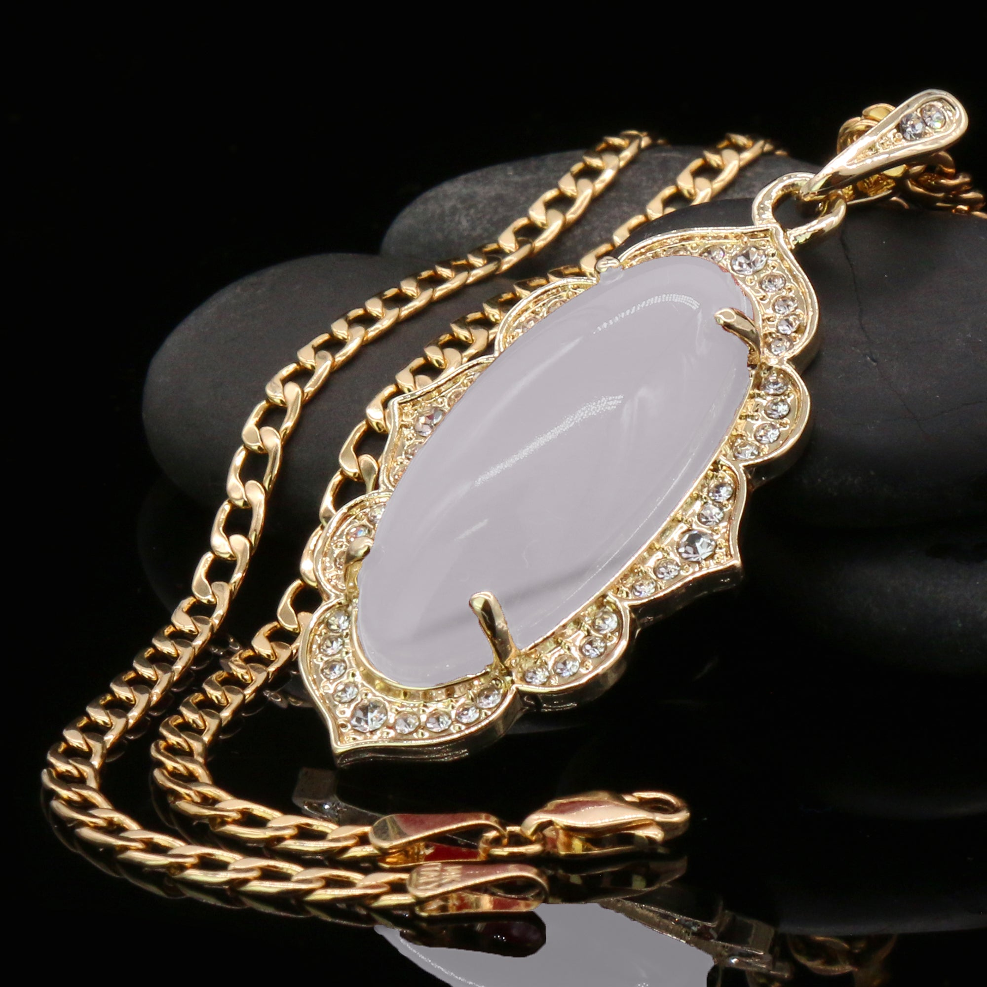 White Oval Women's Jade Chain Pendant Necklace