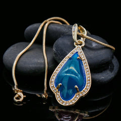 Blue Women's Pendants 14K Gold Plated Lab Diamond Mounted Curved Tear Resin Jade High Fashion Jewelry Chain Pendant Necklaces