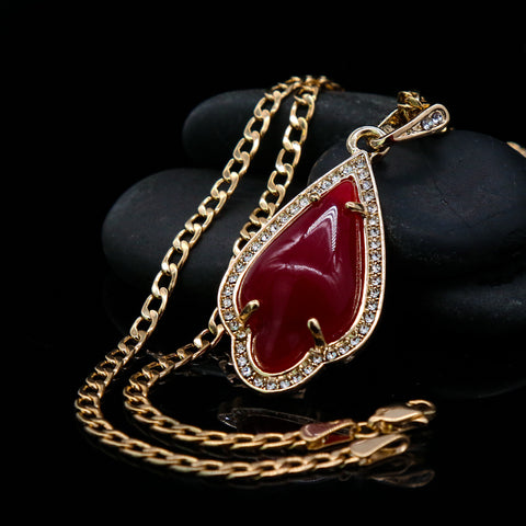 Red Curved Tear Women's Jade Chain Pendant Necklace