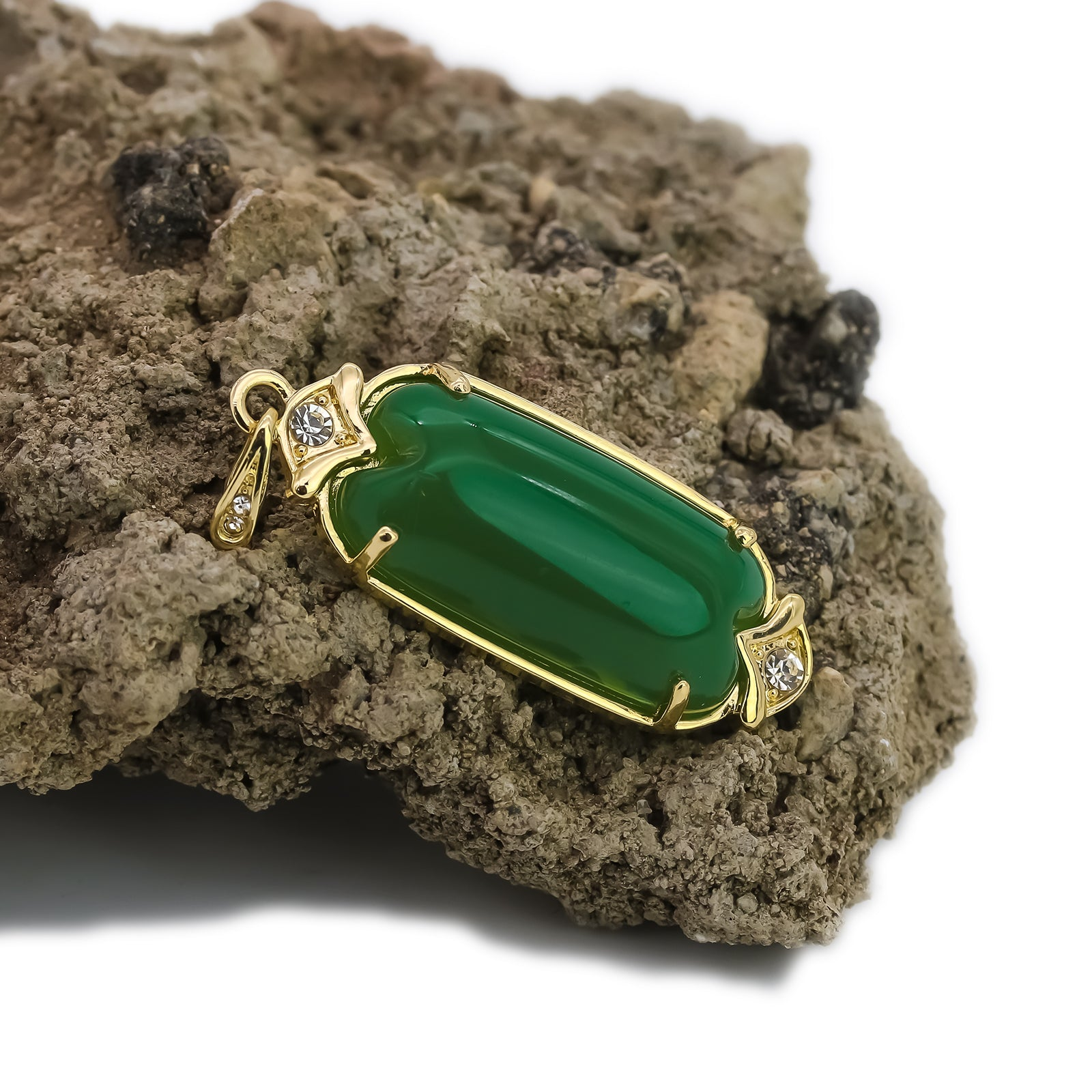 "Exquisite Iced Green Jade Long Oval Shape 14k Gold PT Pendant 18""20"" Figaro Chains"