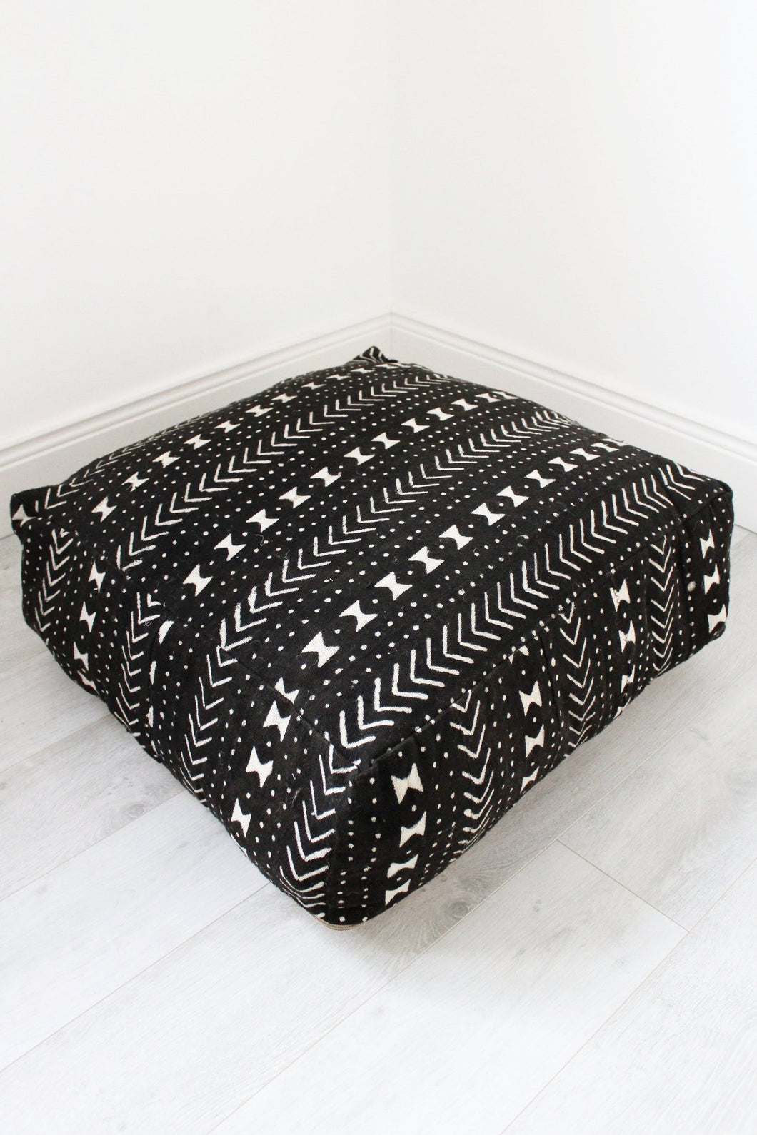 Moroccan Black / White Berber Floor Cushion - Bohemian Lifestyle