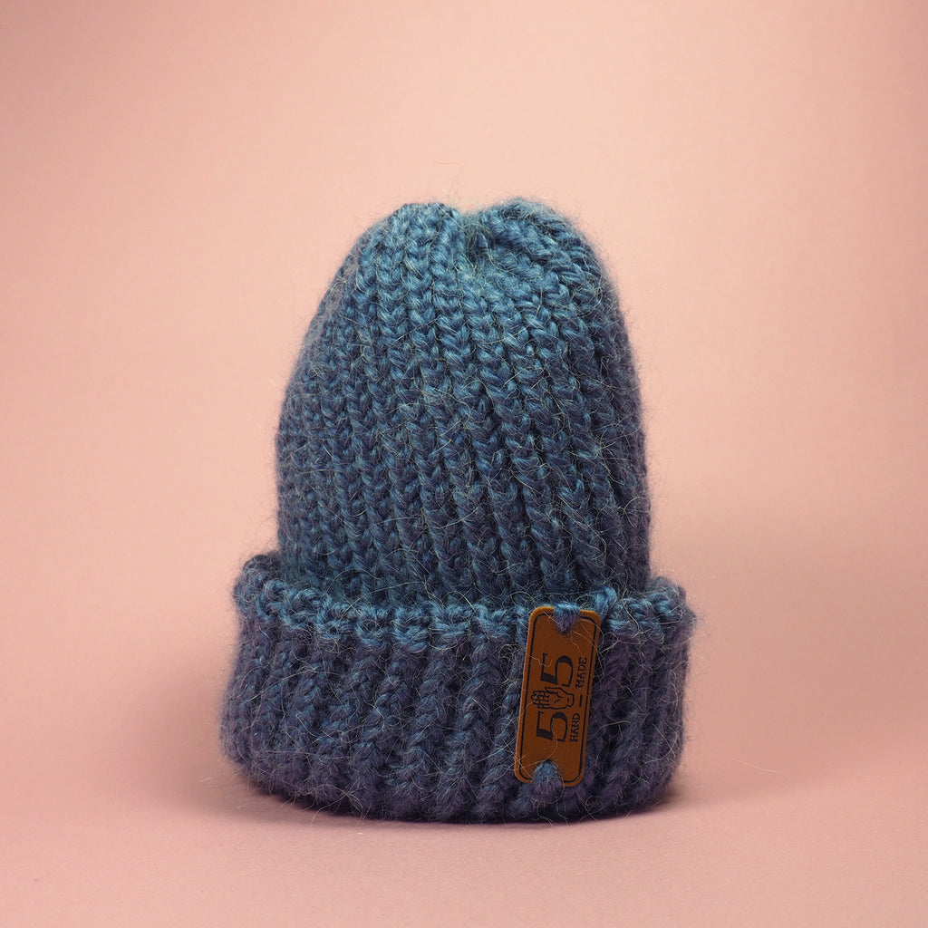 knit_handmade_blue_baby_hat
