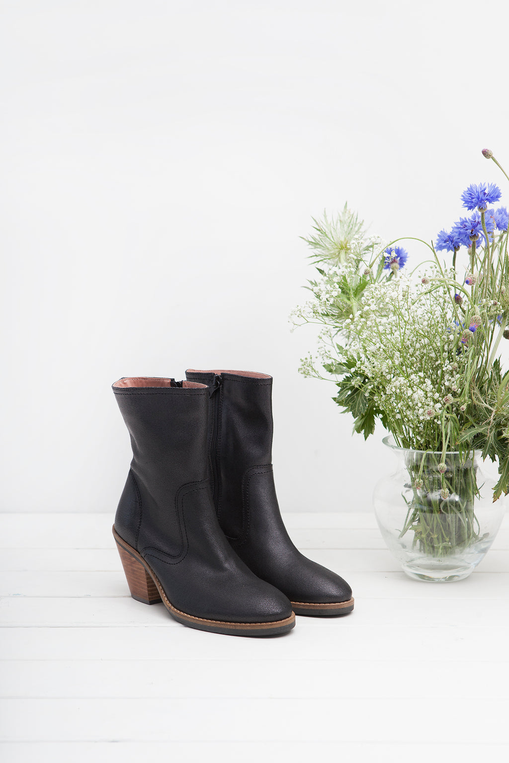 Jane Black Zip Up Boot