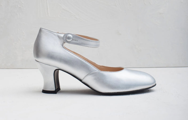 Silver leather shoes with button detail. Made in Italy. Comfortable metallic wedding shoes