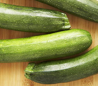 Zucchini (med)