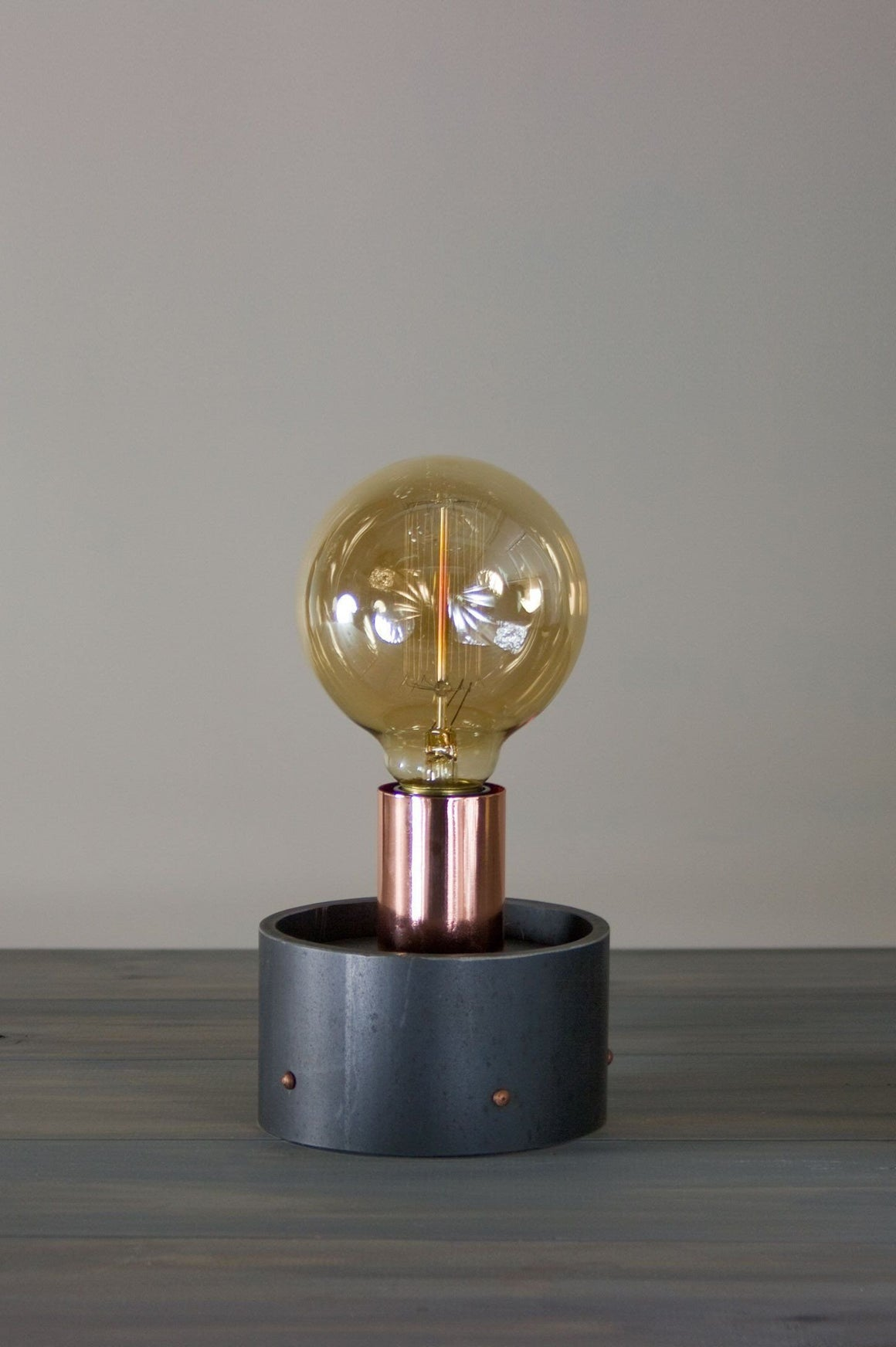 Edison Bulb Table Lamp in Copper and Steel