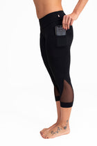 Pocket  Mesh Capri Black Coolform  Light