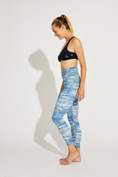 Mid-Rise Legging Distressed Denim