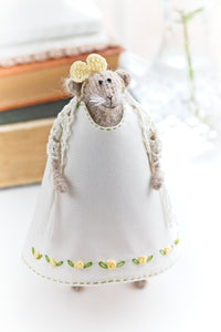 Miss Mouse in Yellow roses dress