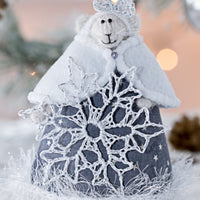 Christmas Mouse with Silver Snowflake