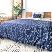 Organic Cotton Reversible Duvet Cover in Stylized Feather/Art Deco Navy + Cream