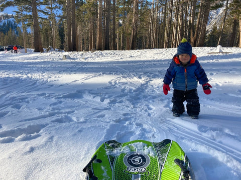 5-ways-to-stay-fit-winter-sledding-and-walking-with-kids