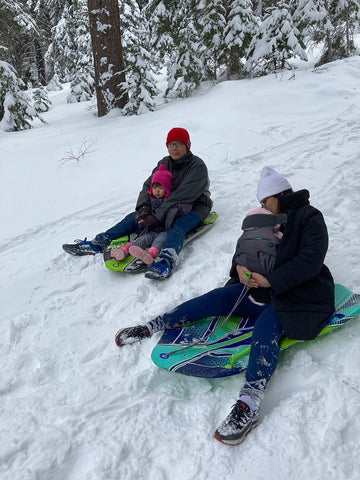 5-ways-to-stay-fit-winter-family-sledding-day