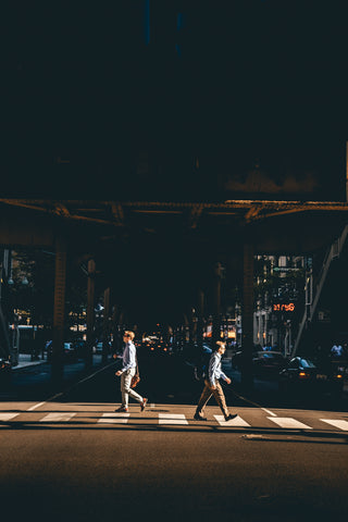 walking-crossing-the-street-city-walking-steps-earthtrek-gear