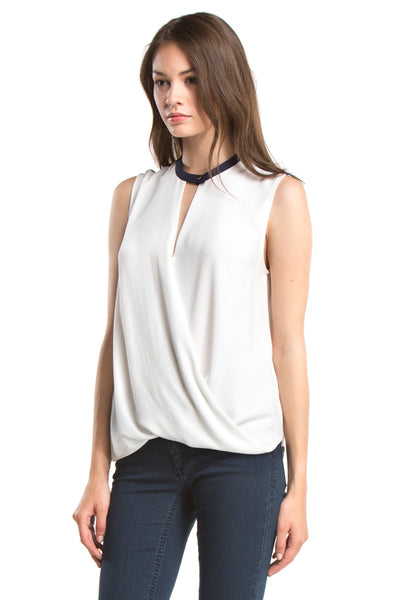SIGNATURE SLEEVELESS TOP | White