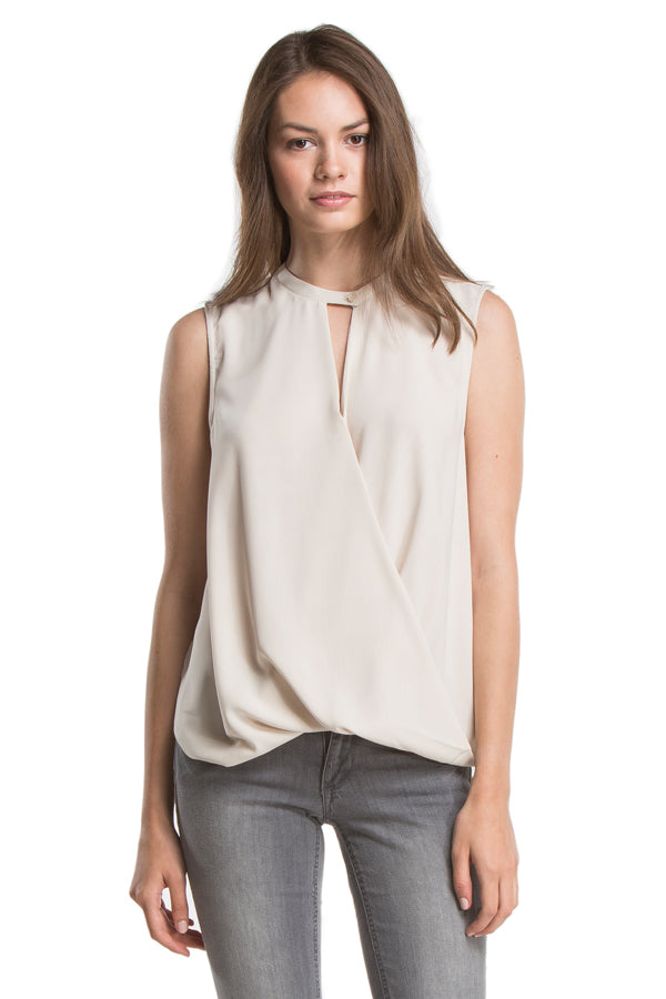 SIGNATURE SLEEVELESS TWIST FRONT| IVORY