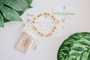Baltic Amber Teething & Pain Jewelry in 'Rae'