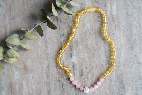 Baltic Amber Teething & Pain Necklace in 'Ava'