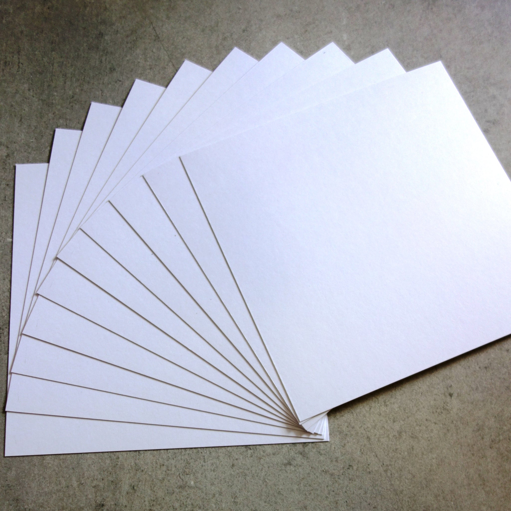 "CARD 6""x6"" BRIGHT SMOOTH WHITE 280 GSM 20 SHEETS CARDMAKING"