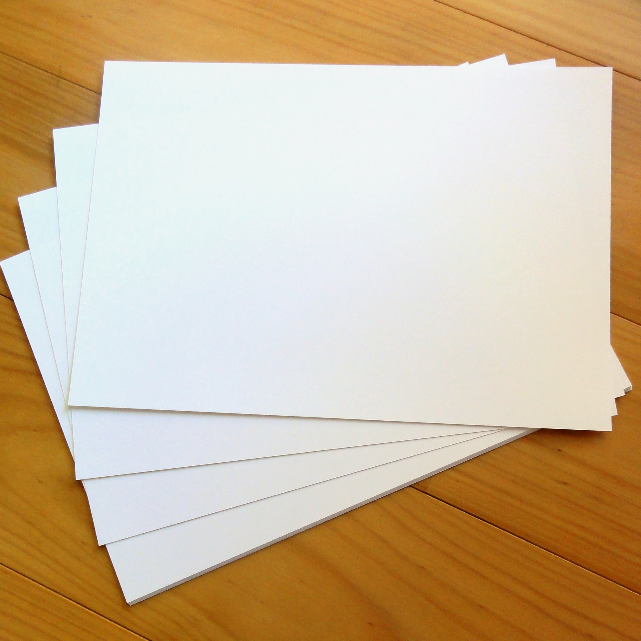 "CARD A4 ""LINEN WHITE"" 280 GSM 10 SHEETS"
