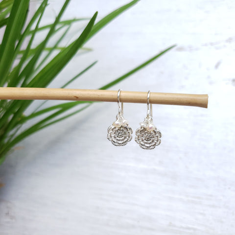 Silver Flower Pearl Earrings - Sati Gems Hawaii Healing Crystal Gemstone Jewelry