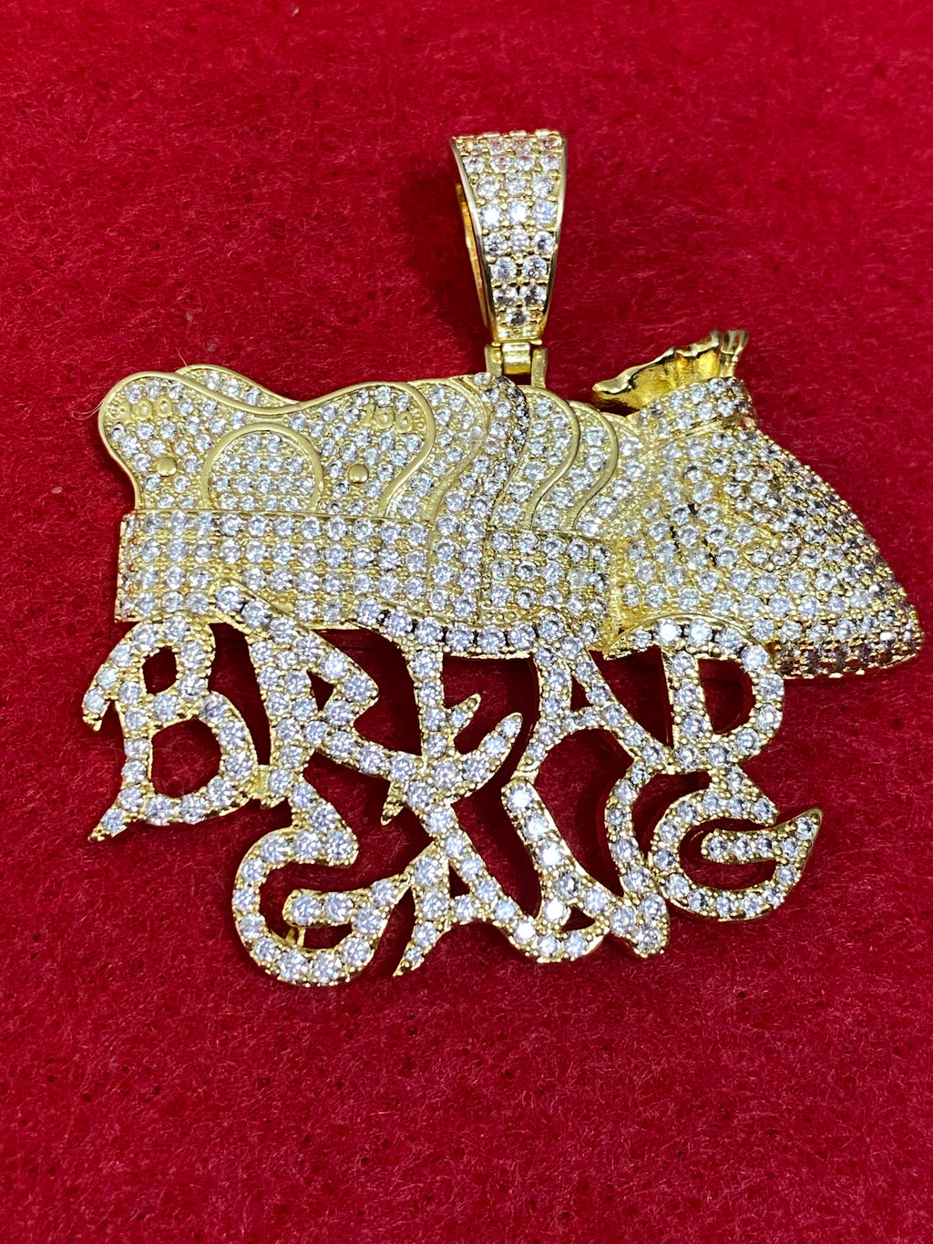 Pendant and chain bread gang
