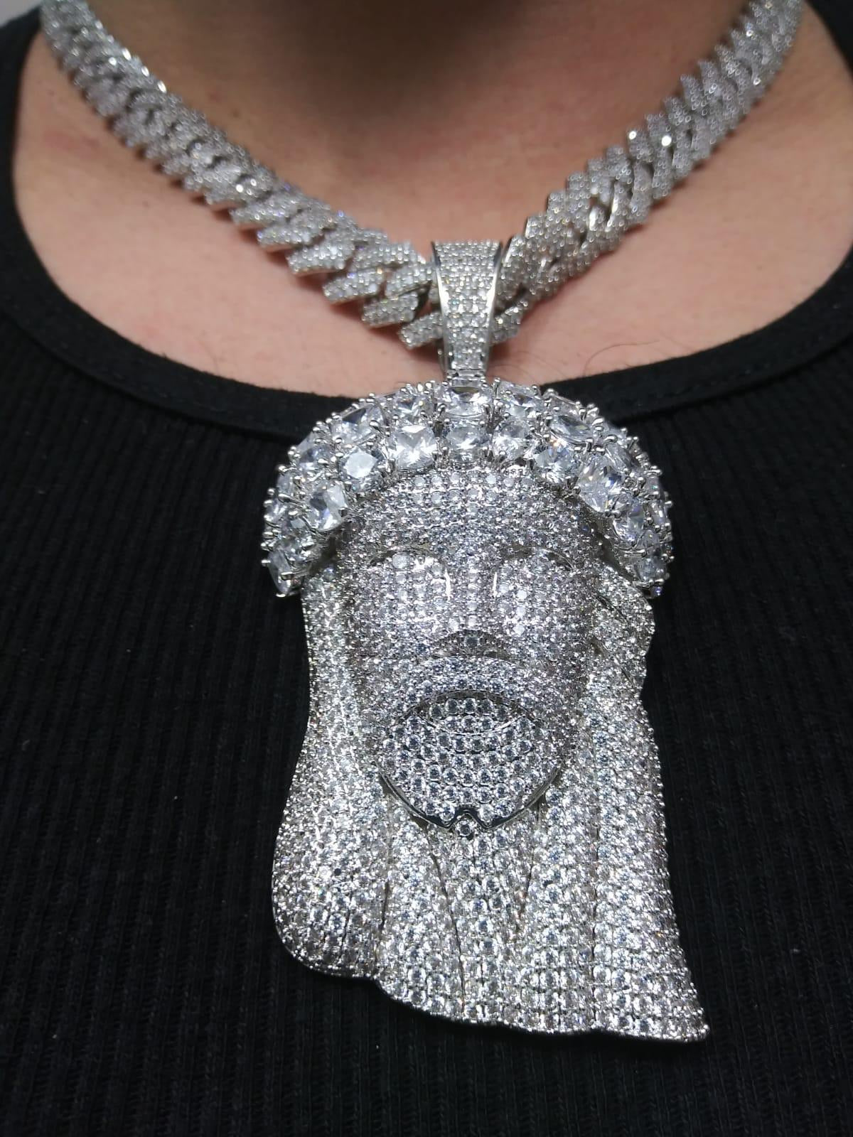 Chain and Jesus pendant