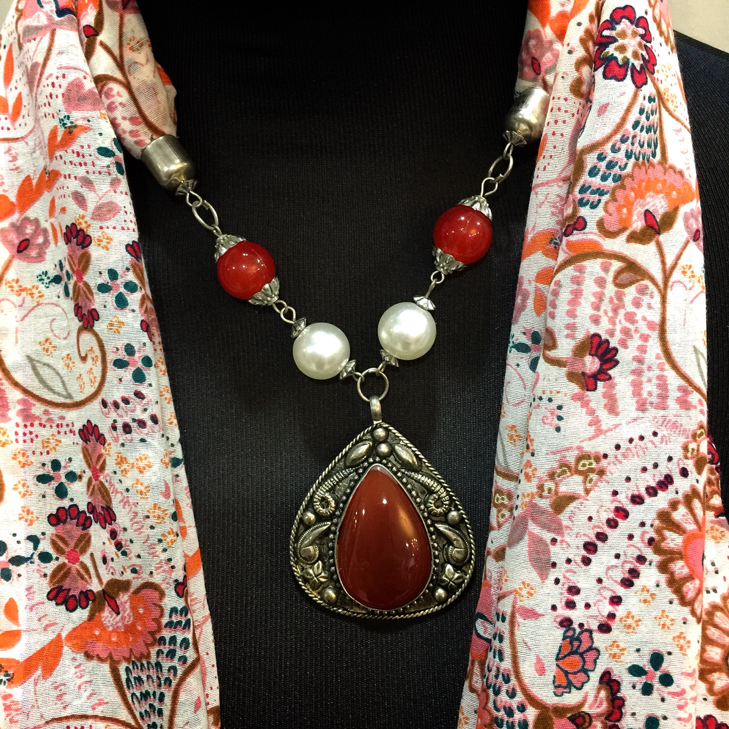 Scarf With Jewellery Pendant -SC01O