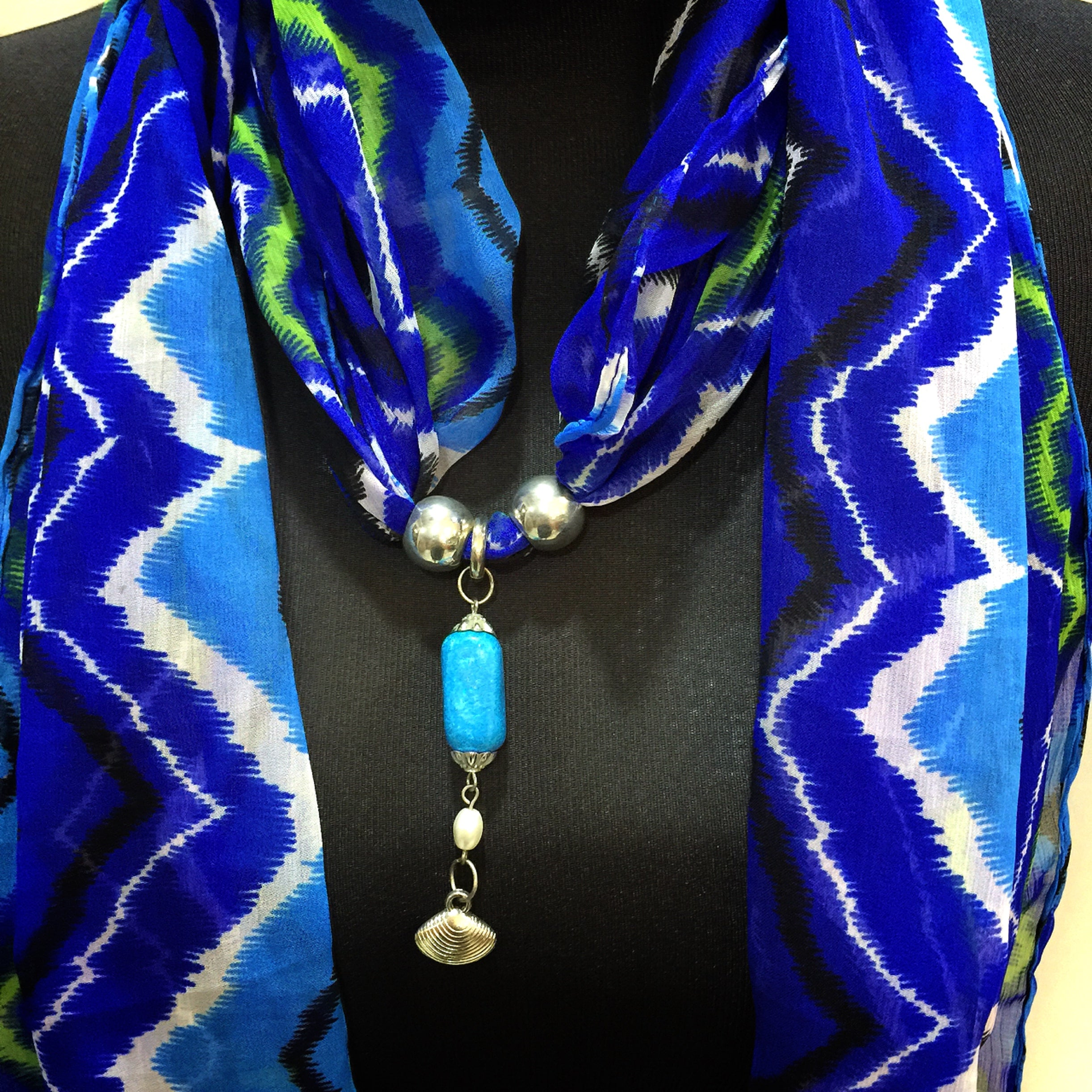 Scarf With Jewellery Pendant -SC02B