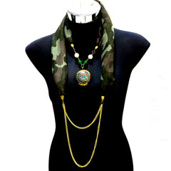 Scarf With Jewellery Pendant -SC015G