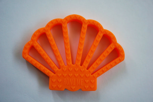 ORANGE SHELL TEETHER