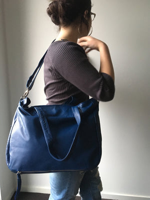 The Envoyage - Perfect shoulder bag with removable straps,lots of compartments.