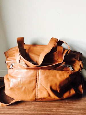 The Envoyage-Large, leather tote, generous handbag.Perfect shoulder bag,slouchy design.